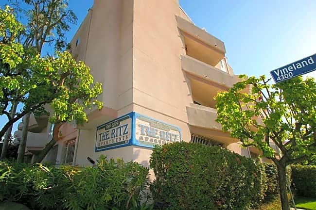 The Ritz Apartments - Studio City, California 91602