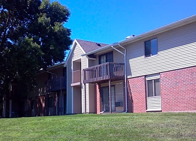 Maple Lawn Apartments - Fitchburg, Wisconsin 53713