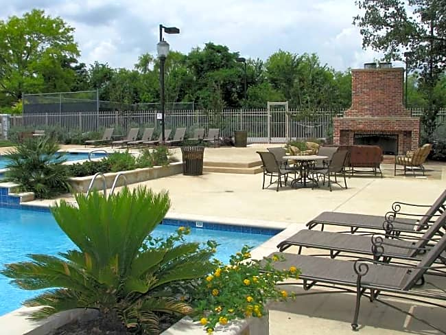 Highland Park Apartments - Fort Worth, Texas 76132