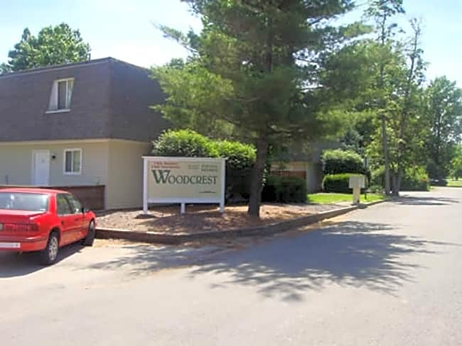 Woodcrest Apartments - Maryville, Illinois 62062