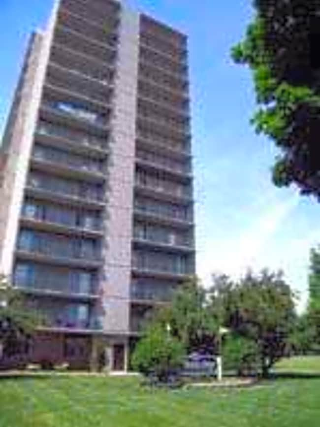 Parkview Place Apartments - Detroit, Michigan 48207