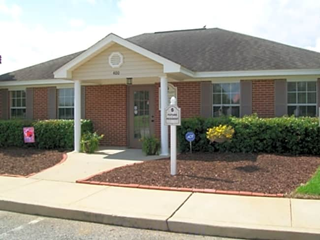 Park Place Apartments - Foley, Alabama 36535