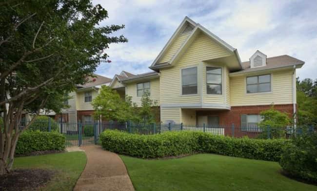 Eton Square Apartments Memphis Tn