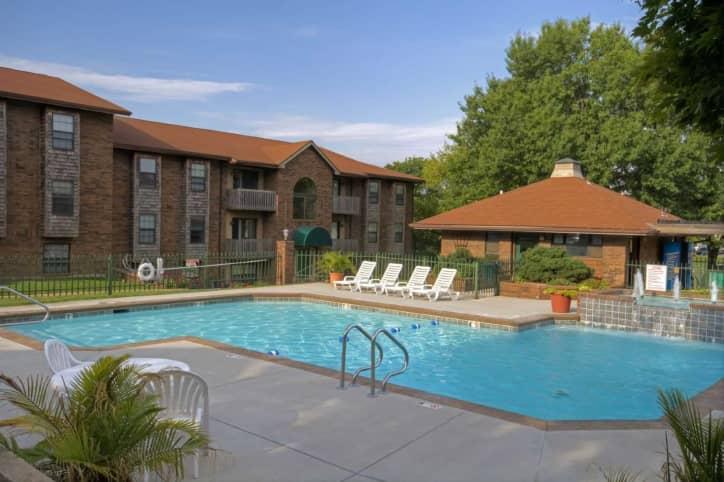 Bradford Park Apartments - Springfield, MO 65807