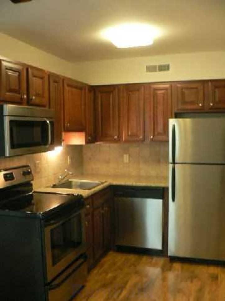 Whitehall Apartments - Saint Louis, MO 63128