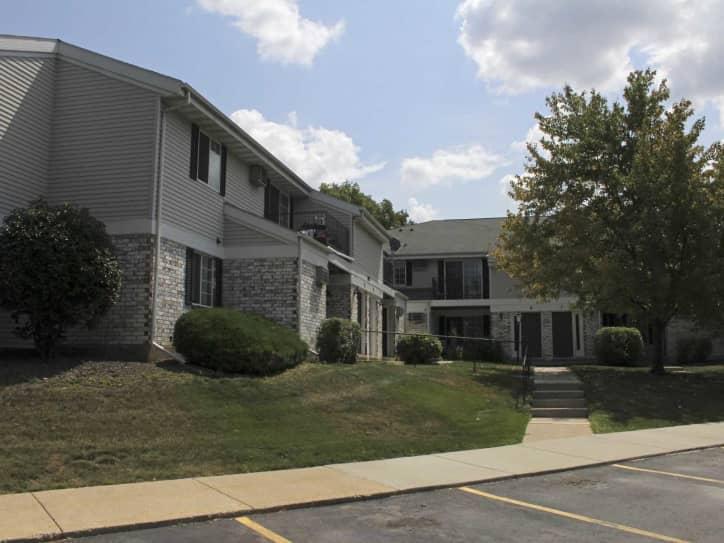 Stonewood Village Apartments - Madison, WI 53714