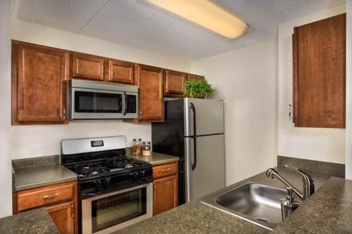 eos - 21 apartments - alexandria, va 22304