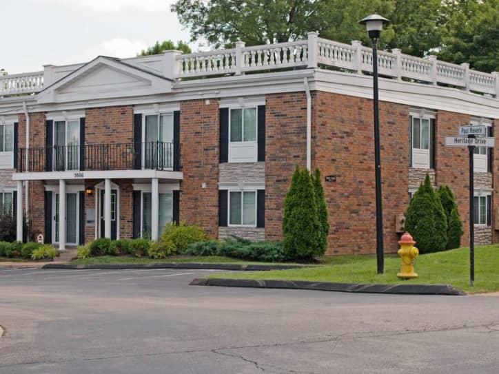 Heritage Estates Apartments - Saint Louis, MO 63123