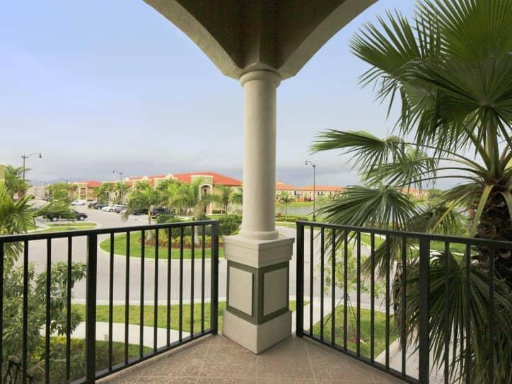 Venice at Crystal Lakes Apartments Homestead FL 33033