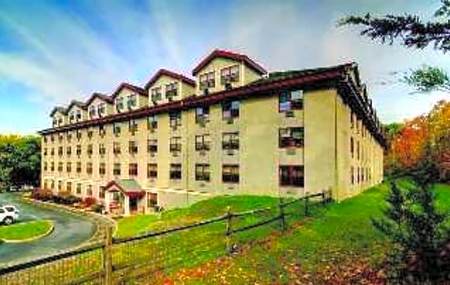Heritage pointe apartments staatsburg ny 12580 for 90214 zip code