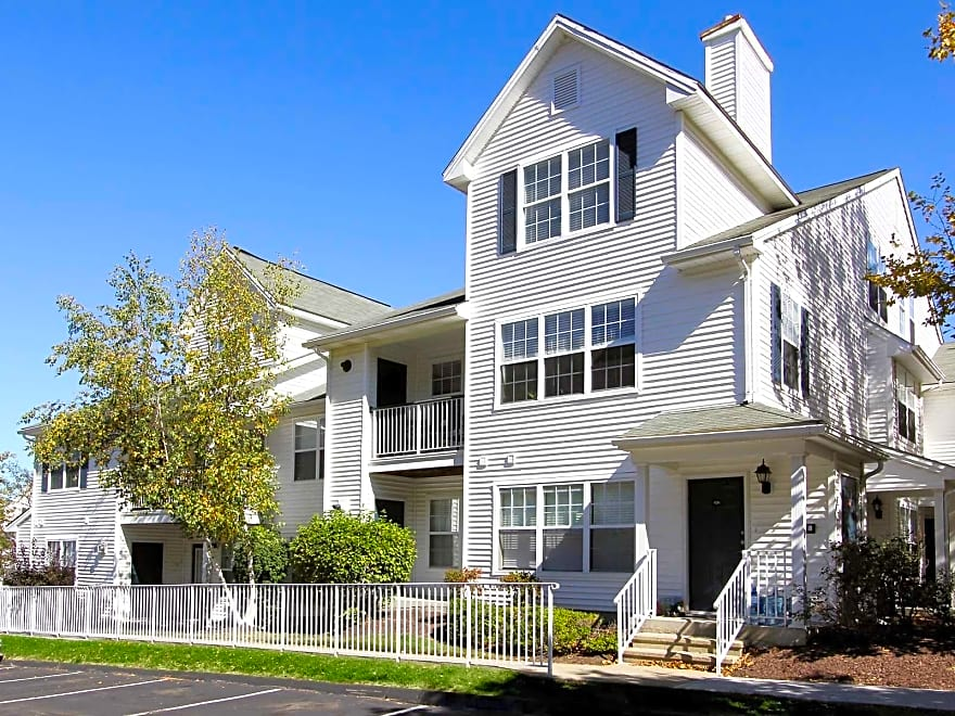 Willow Grove Apartment Homes Apartments Danbury Ct 06810 Apartments For Rent