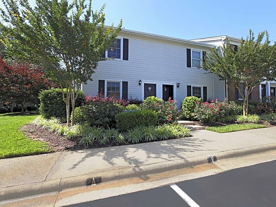 Williamsburg Manor Apartments Cary Nc 27511 Apartments For Rent