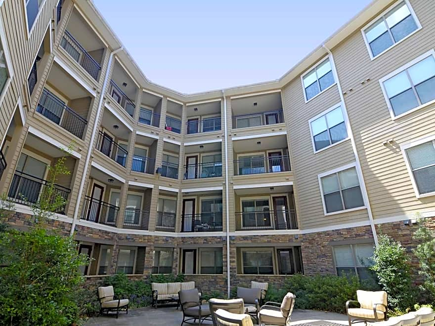 The residences at riverdale apartments little rock ar for 3 bedroom apartments in little rock ar