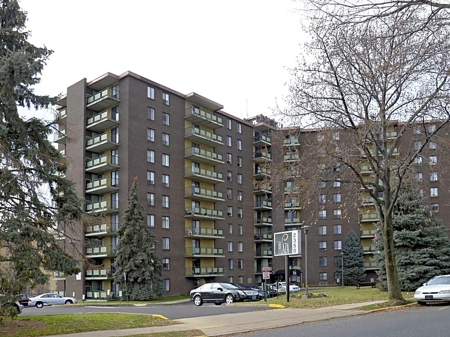 Plaza Towers Apartments Northeast Philadelphia Pa 19115 Apartments For Rent
