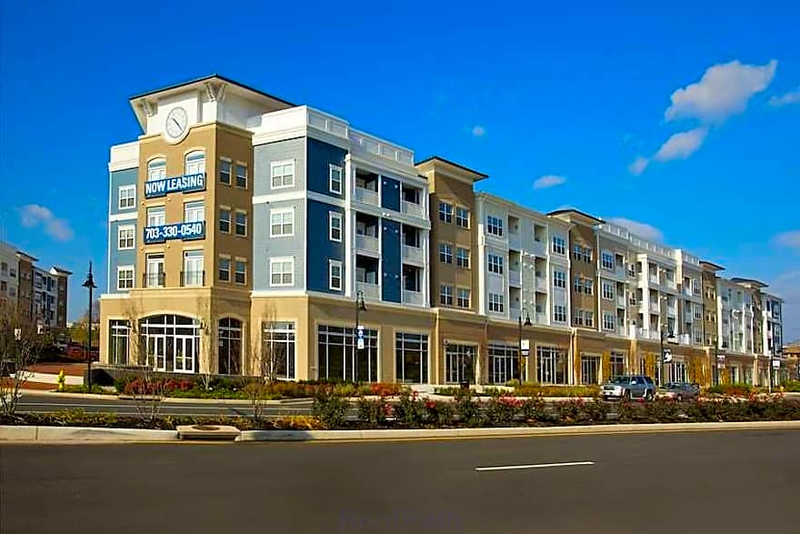 The Residences At City Center Apartments Manassas Va 20111 Apartments For Rent
