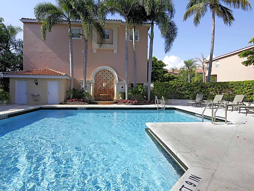 Mizner On The Green Apartments Boca Raton Fl 33432 Apartments For Rent