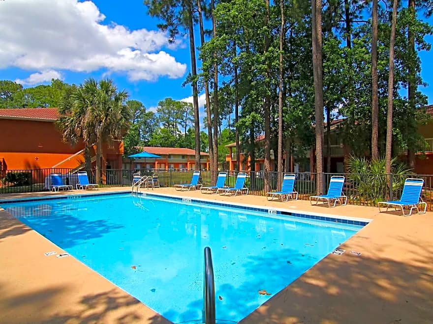 Find the best studio, 1, 2 & 3+ bedroom apartments for rent in Jacksonville, FL -- cheap, luxury, pet friendly, and utility included apartments in Jacksonville, Florida.