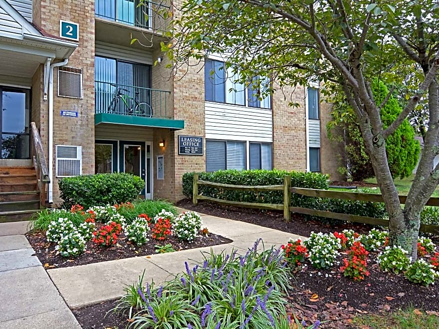 Center Pointe Apartments - Waldorf, MD 20601 | Apartments ...