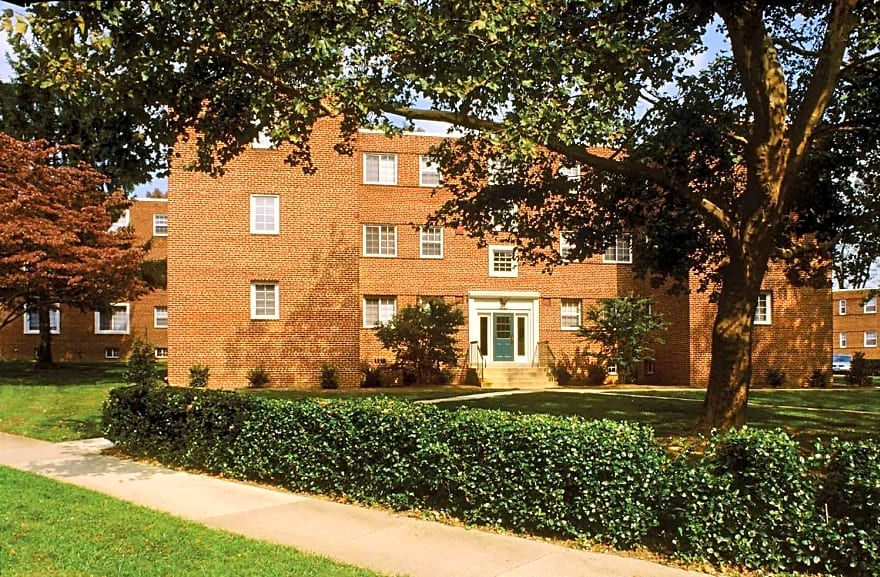 The Fields Of Silver Springs Apartments Silver Spring Md 20902 Apartments For Rent