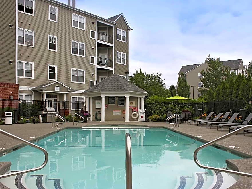 Washington Crossing Apartments  Woburn, MA 01801  Apartments for Rent