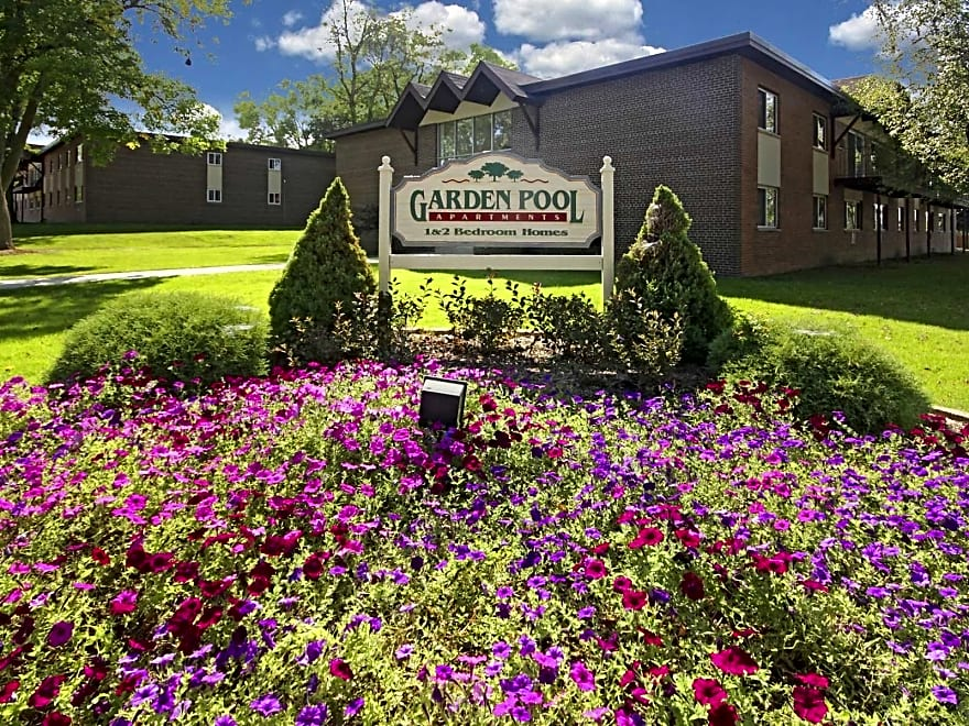 garden pool apartments west allis wi 53227 apartments