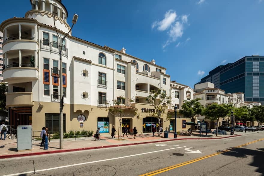 The Glendon At Westwood Village Apartments Los Angeles Ca 90024 Apartments For Rent