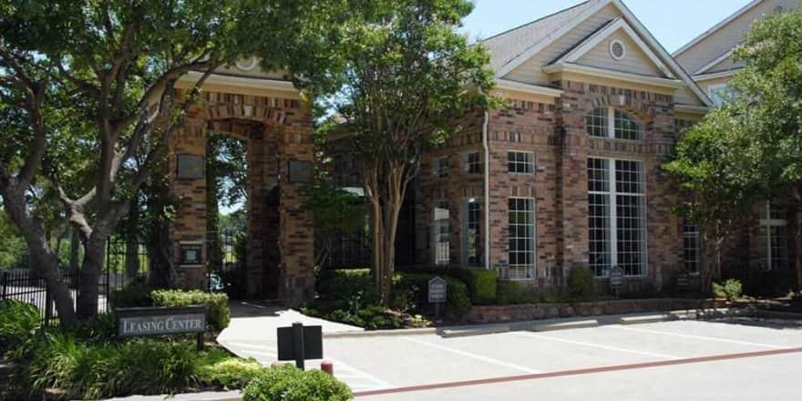 Huntington Lakes Apartments - Dallas, TX 75231 ...