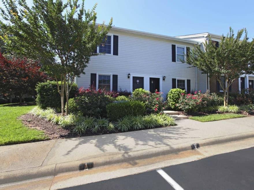Williamsburg Manor Apartments - Cary, NC 27511 ...