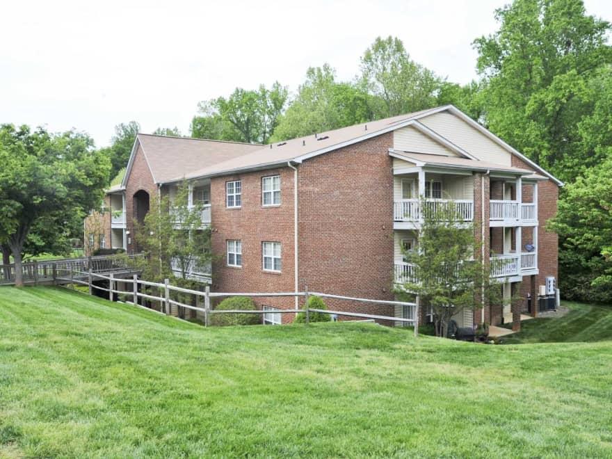 Cardinal Apartments Greensboro Nc 27410 Apartments For Rent