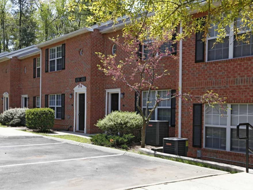Greens Of Pine Glen Apartments Durham Nc 27713 Apartments For Rent