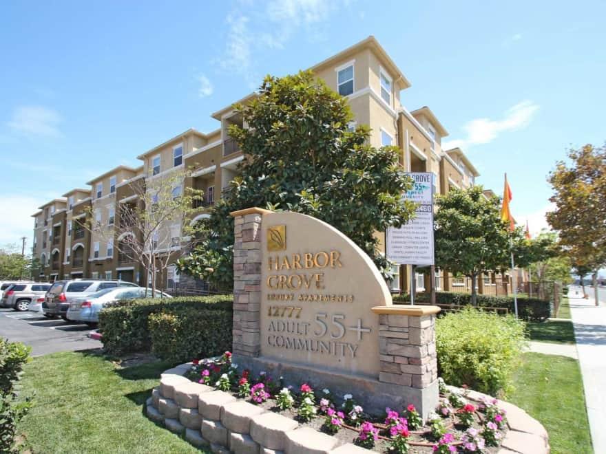 Harbor Grove Apartments Garden Grove Ca 92843 Apartments For Rent