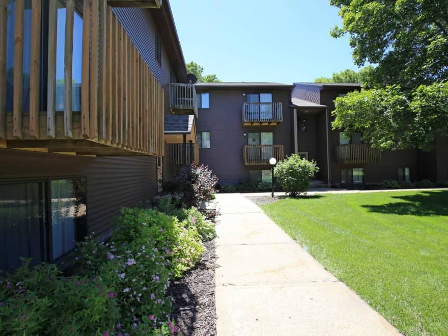 Parkside manor apartments coralville ia 52241 for Parkside manor