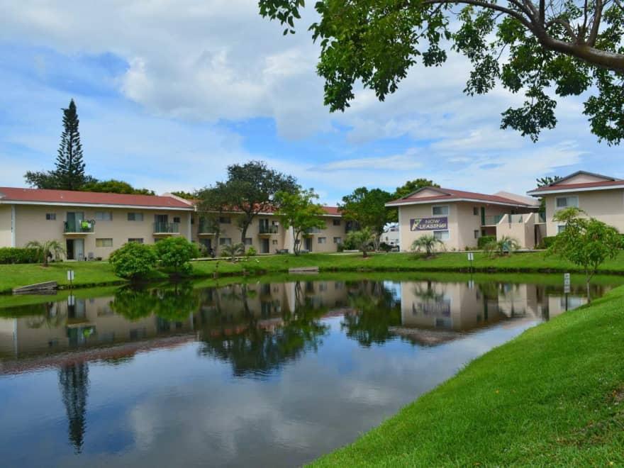 Palm Island Club Apartments Tamarac Fl 33319 Apartments For Rent