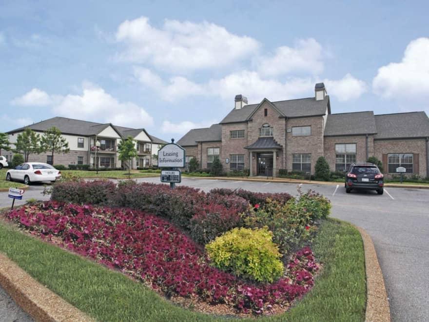 Centennial Gardens Apartments Memphis Tn 38125 Apartments For Rent