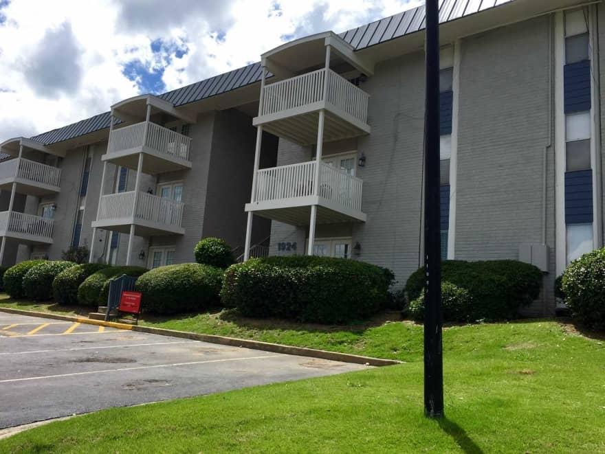 Brookwood apartment homes apartments homewood al 35209 for Brookwood home builders