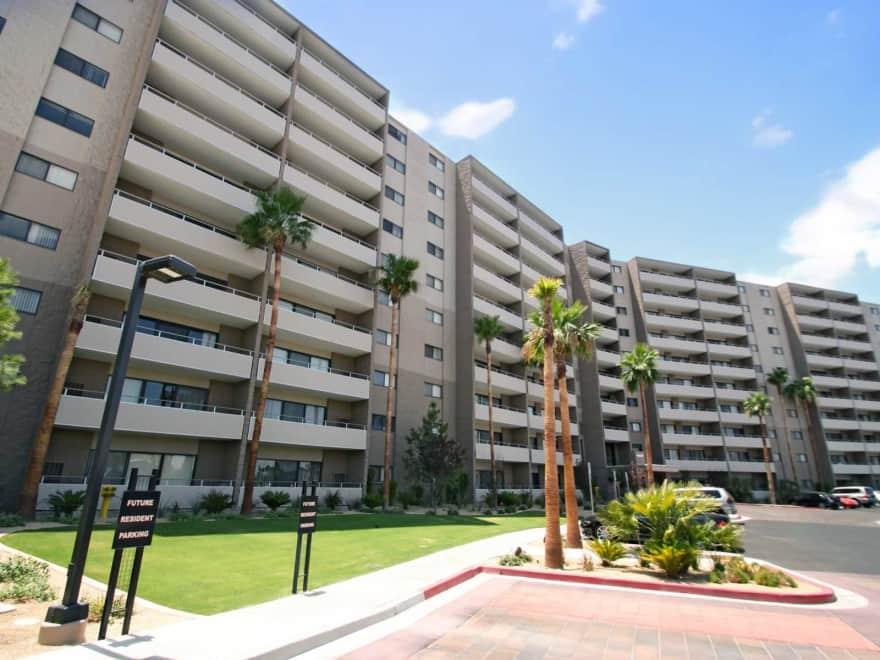 Vegas Towers Apartments - Las Vegas, NV 89119 | Apartments ...