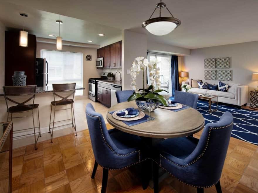 Crystal Woods Of Alexandria Apartments Alexandria Va
