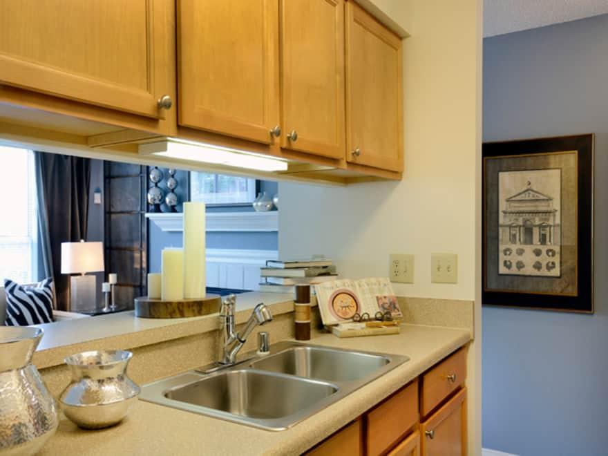 Eaves Fair Lakes Apartments Fairfax Va 22033 Apartments For Rent