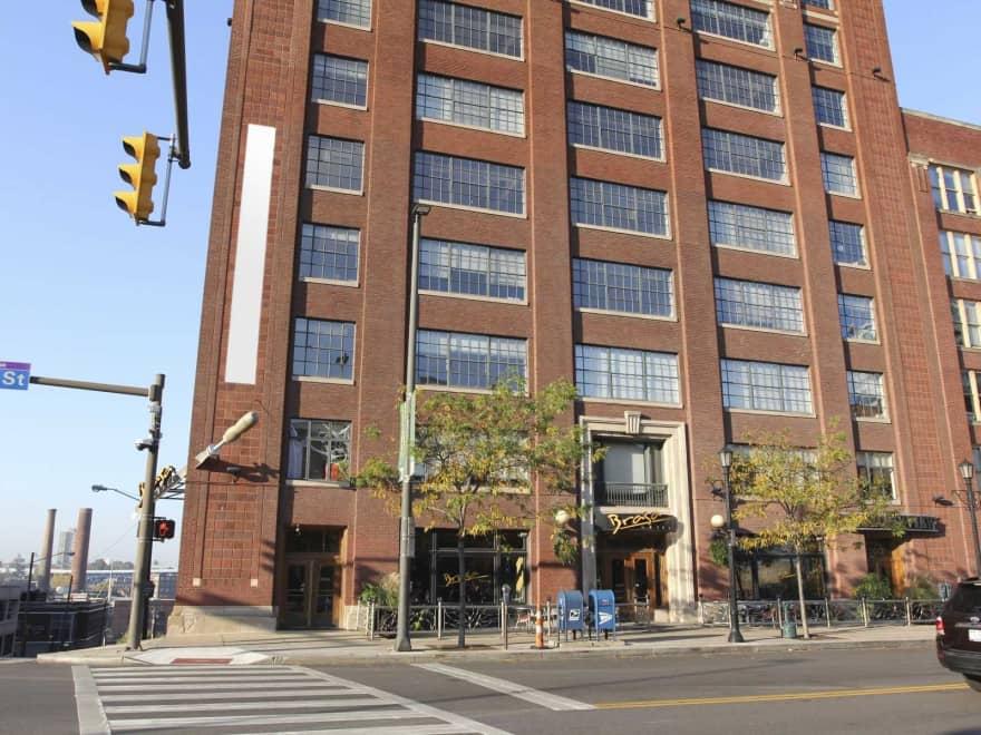 Bridgeview apartments cleveland oh 44113 apartments for rent for 3 bedroom apartments in cleveland ohio