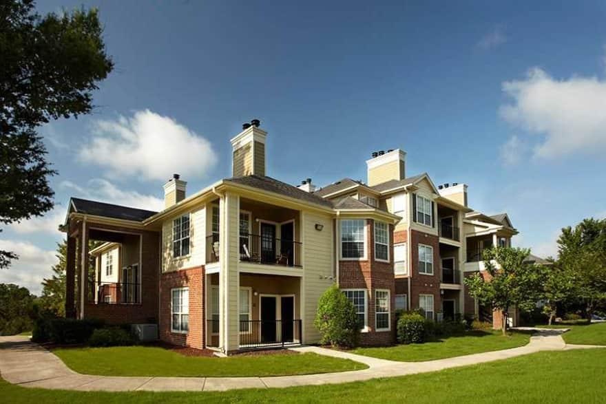 Bridford Lake Apartments Greensboro Nc 27407 Apartments For Rent