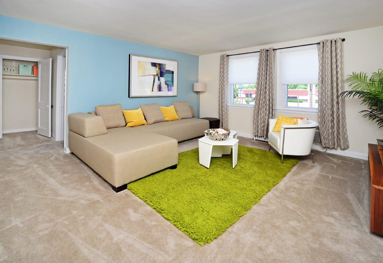 Oak Grove Apartments Townhomes