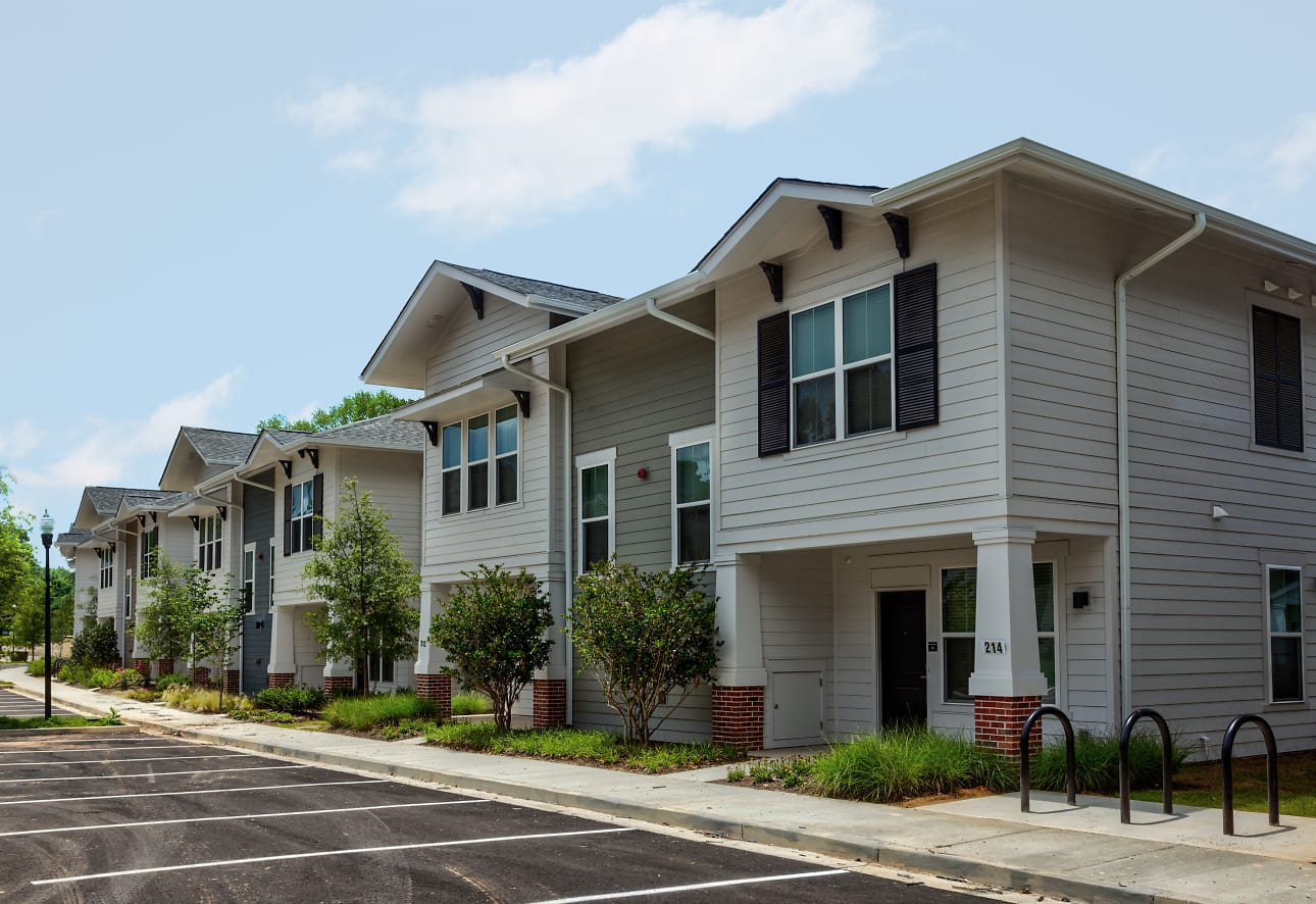 U Club Townhomes at Oxford Apartments - Oxford, MS 38655