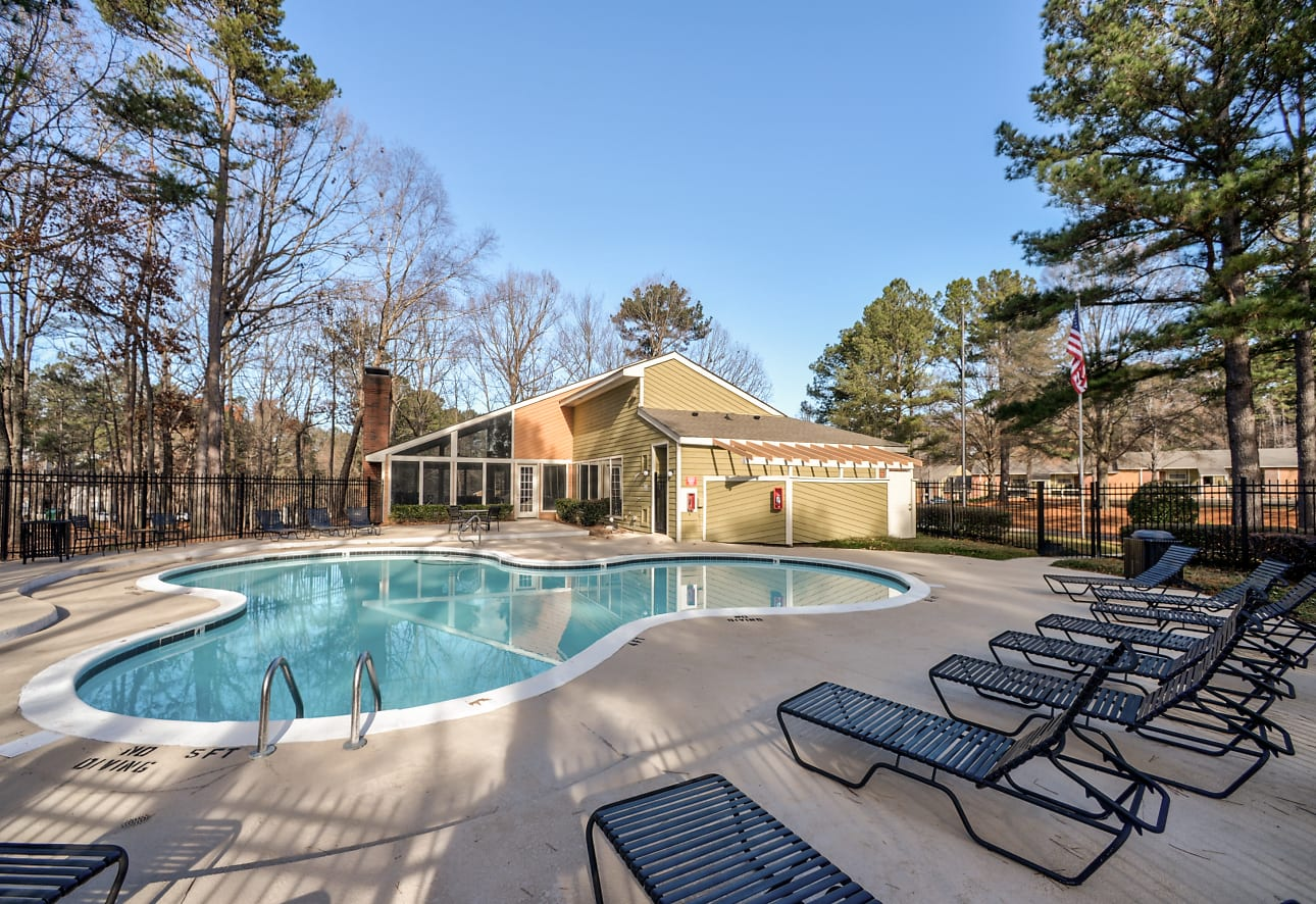 Woodlake Downs Apartments - Raleigh, NC 27613