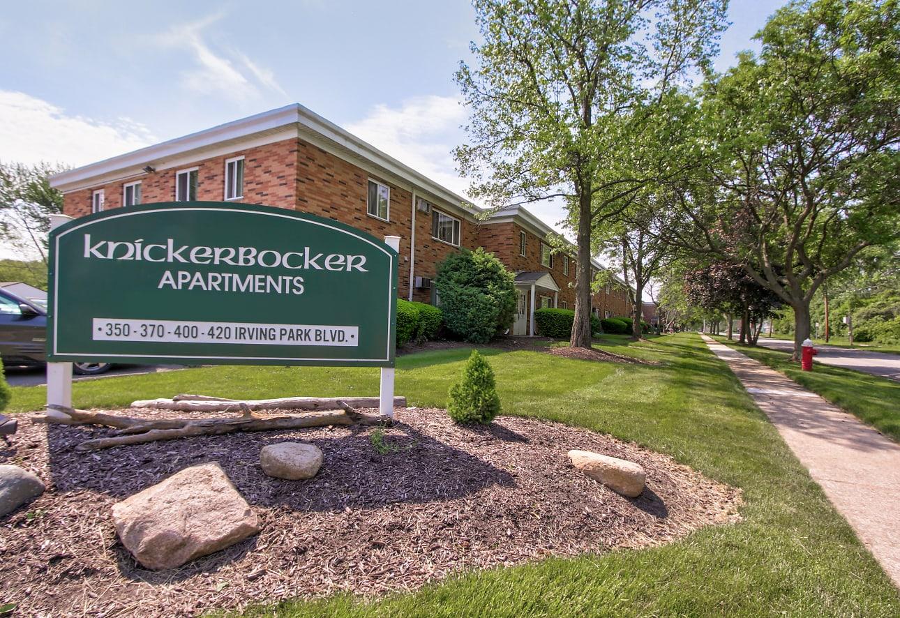 Knickerbocker Apartments
