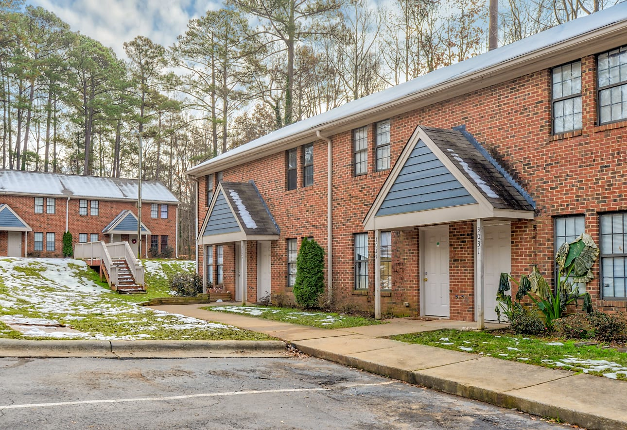 Forest Edge Townhomes Apartments Raleigh Nc 27610