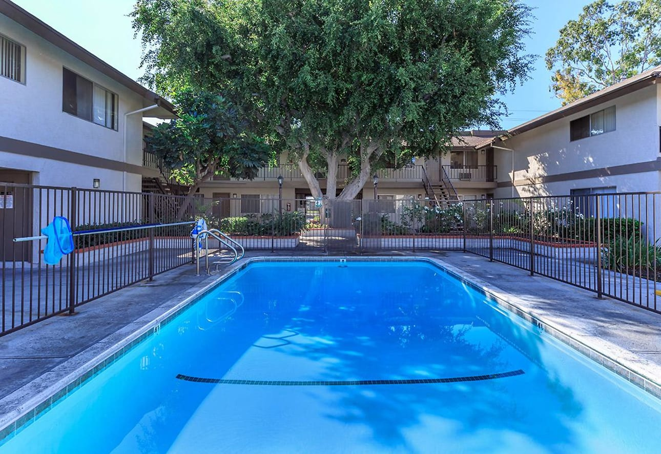 Singing Tree Apartment Homes Anaheim Ca 92804