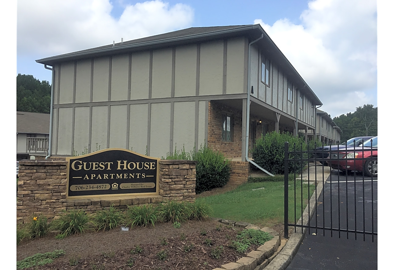 Guest House Apartments