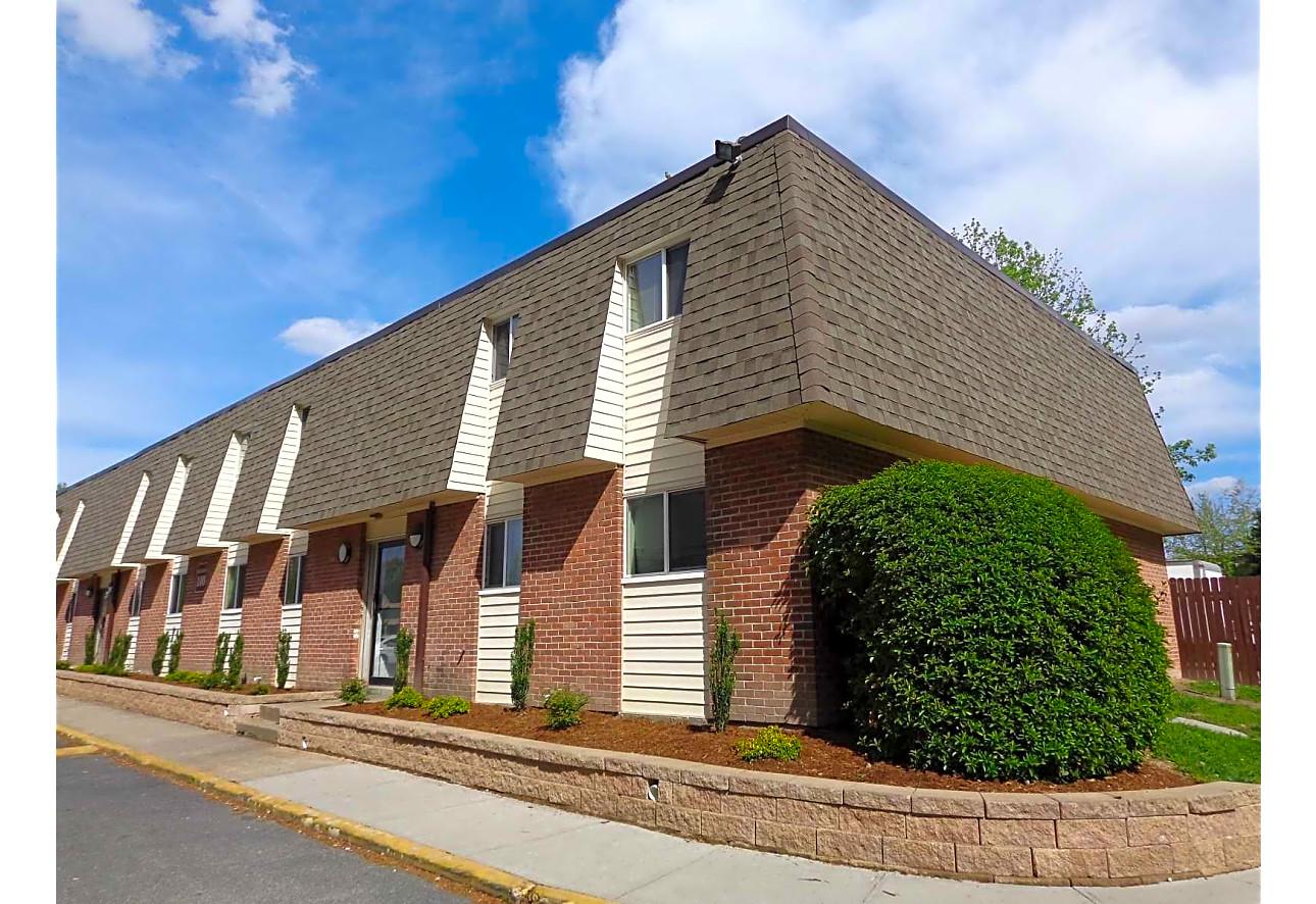 River Trace Apartments - Newport News, VA 23602