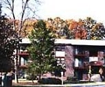 Exterior, Spruce Knoll Apartments