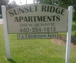 Sunset Ridge Apartments, Henry F Lamuth Middle School, Painesville, OH